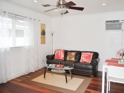 Charming  Encino 1 bedroom Guesthouse With Pool