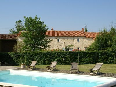 Attractive holiday home with a private swimming pool and pool house in the Vendee