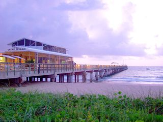 Lake Worth house photo - Lake Worth pier is 1.5 miles by bike or car.