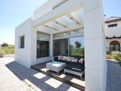Villa Ariadne, 3 Minutes From The Beach With Great Sea Views, in Rhodes-Greece