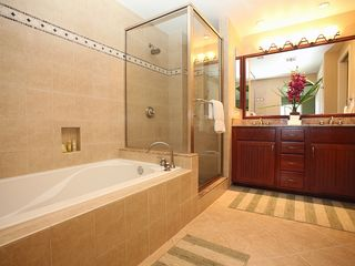 Waikoloa Beach Resort condo photo - Master bath has a great soaking tub for lounging