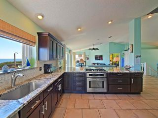 Ponte Vedra Beach house photo - Spacious kitchen with granite and stainless, gas stove, storage, views!