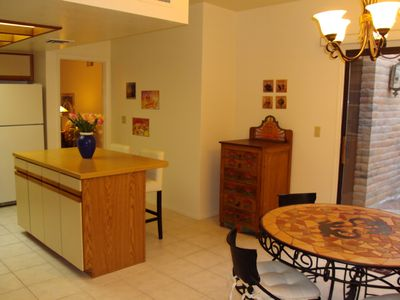 Tucson townhome rental - Spacious Eat-In-Kitcken with Island