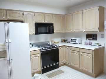 All Modern Appliances, Tile Floor, Side By Side Refrigerator