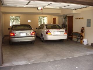 Mammoth Lakes townhome photo - 2 Car Enclosed Garage w opener, ski rack, & bench