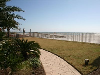 Green spaces for lawn games and walking areas and scenic vistas at Ocean House