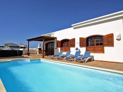 Luxury detached 2 bedroom villa with Private Heated Pool on sea front with Wi-Fi