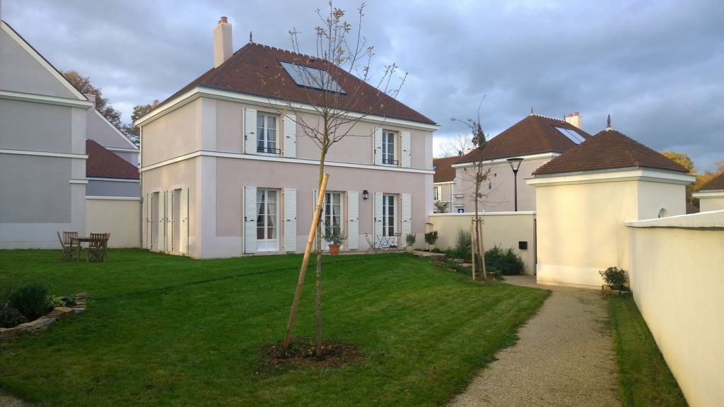 Holiday house, 120 square meters , Magny-le-hongre