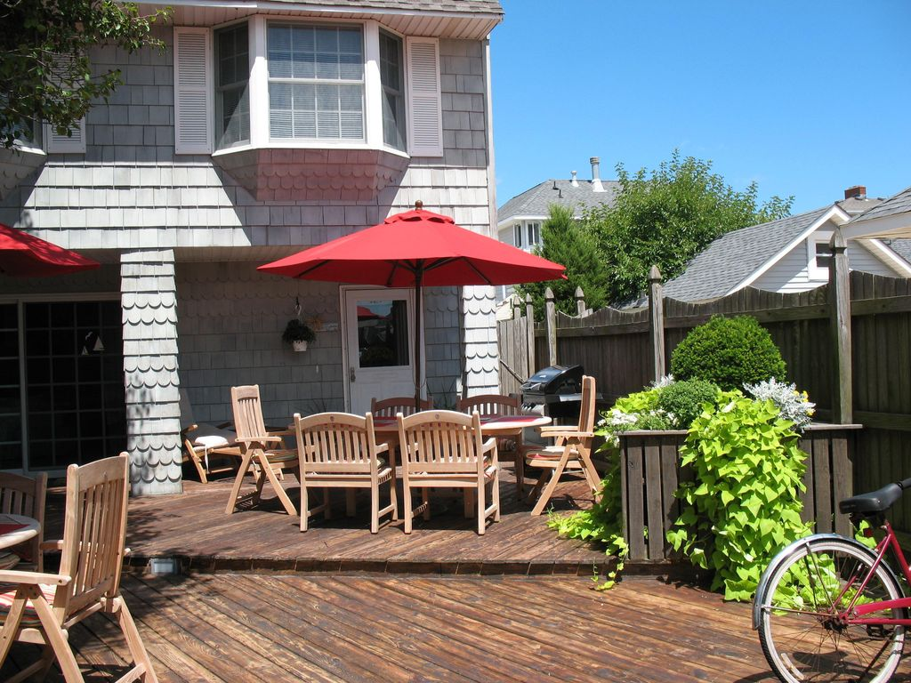 Beautiful beach house for rent homeaway lavallette for 9 bedroom beach house rental