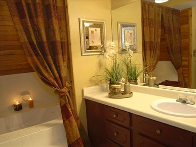 Master Bathroom - Jacuzzi Tub