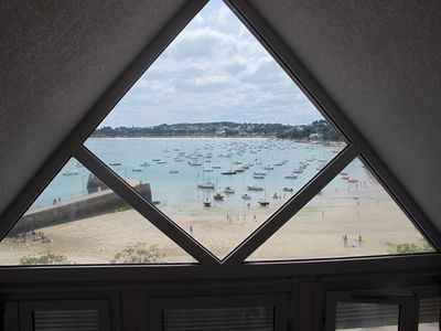 Directly on beach and small port, 2 rooms + loft, views magnifiqu