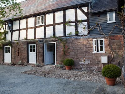Cider Barn is a fantastic example of 17th-century, Grade II listed architecture