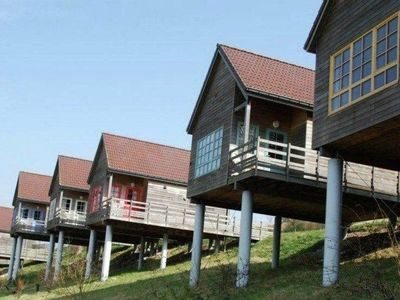 New, wooden chalet with view over golf course Grand-Laviers