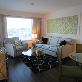 Haines condo rental - Picture yourself relaxing in this southfacing livingroom.
