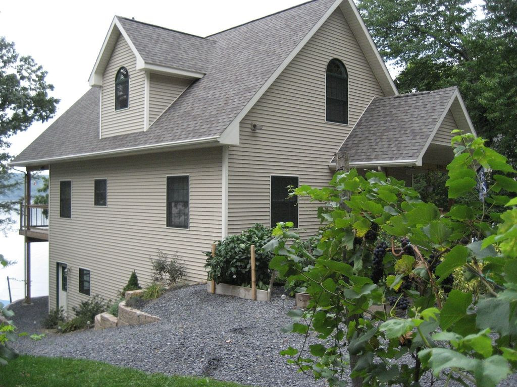 Watkins glen vacation rental vrbo 455491 3 br seneca for Cabin rentals vicino a watkins glen ny