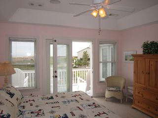 Harbor Island house photo - Roomy master opens to the 2nd floor deck and offers spectacular ocean views