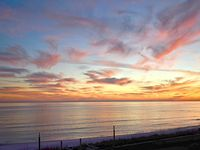 Shoreline Towers 1044 - Casual, comfortable and carefree.  Great beach views!