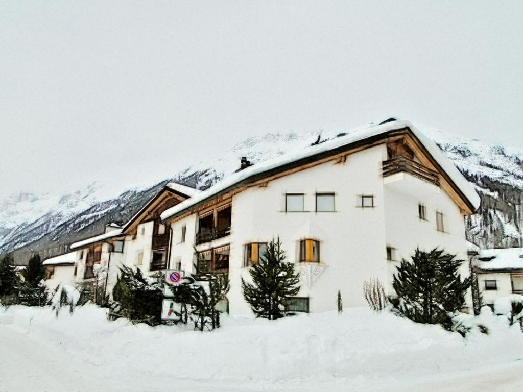 Holiday apartment, 60 square meters , Bevers, Switzerland