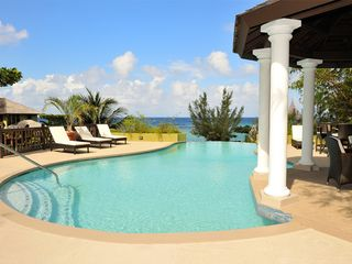 Ocho Rios villa photo - Infinity pool