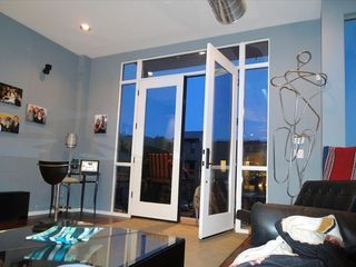 Plenty of windows and comfortable space. - Phoenix townhome vacation rental photo