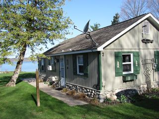 Lake Leelanau cottage photo - Direct TV, air conditioning and more.
