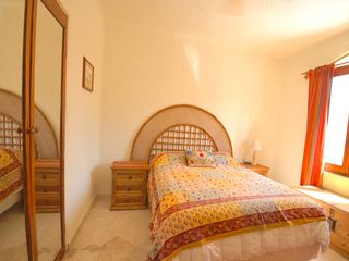 Playa del Carmen condo photo - 2nd bedroom with queen bed.