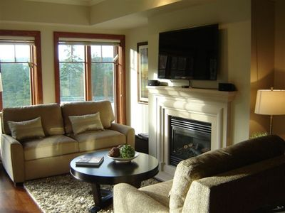 Living room with LCD TV and gas fireplace