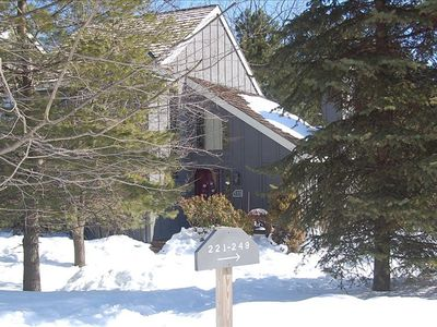 A house for all seasons.located in close proximity to the slopes.
