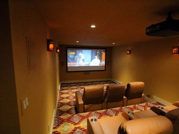 Timber Lodge Home Theater Room HD 105 in tv (optional $50/nt)