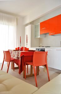 Renovated apartment for 7 people 100 meters from the beach with climate