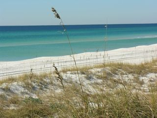 El Centro Beach cottage photo - Just 1 block to the beach! Crystal White Sand