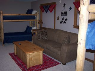 Sunriver house photo - Suite #7: Bunkhouse/Bonus Room -- Queen Sleeper & 2 Twin Bunk Beds, Private Bath
