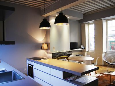In the heart of Old Lyon 80 m2 apartment design