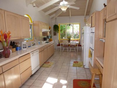 Princeville house rental - Large Gourmet Kitchen w/bay window seating area & high end kitchen accouterments