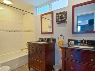 Newport Beach condo photo - Hall Bathroom