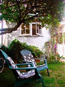 Santa Monica cottage rental - Relax in our peaceful backyard framed by gardens and fountains