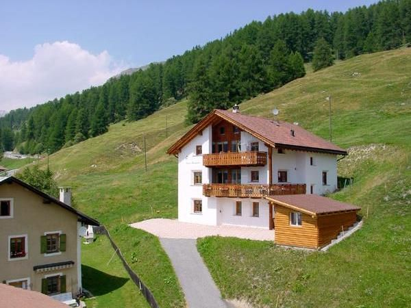 Quiet residential area, untouched mountain landscape, beautiful mountain panorama