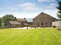 MEADOW VIEW, family friendly, with a garden in Edale, Ref 2063