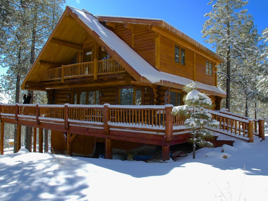 Hidden Hollow Log Cabin with Kid's Tree House - VRBO