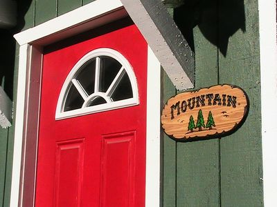 The Mountain Townhouse in South Lake Tahoe. Comfortable and clean.