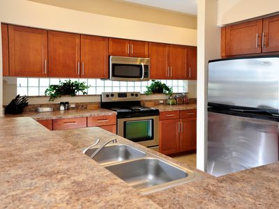 Sunset Lakes villa rental - The Kitchen