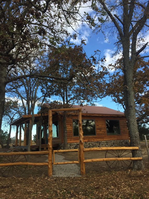 Tranquil, secluded, rustic-chic B&B cabin close to Blue River. Central H&A