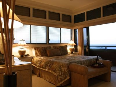 2nd floor master suite -watch waves roll thru Honolua Bay