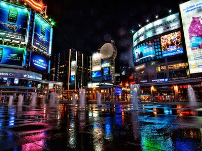 yonge and dundas square, 10 minutes walk