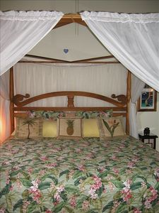 Master Bedroom, canopied handcarved Balanise teak bed, California King