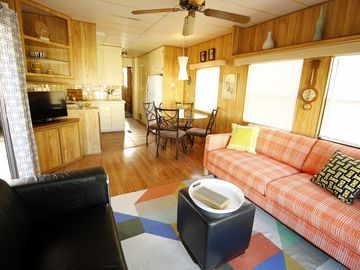Desert Hot Springs mobile home rental - Welcome to our Mod Pod!