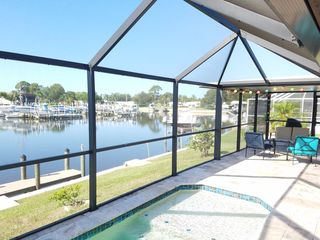 Waterfront Pool Home With Dock Close To The Beach
