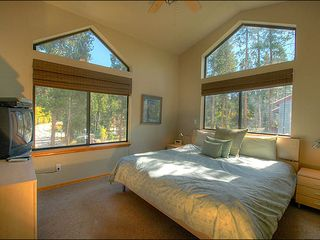 Breckenridge townhome photo - King Bed with Plenty of Natural Light
