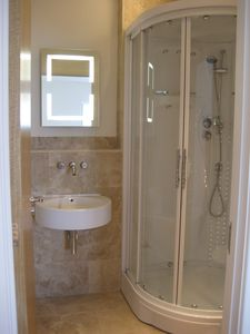 En-suite to master bedroom
