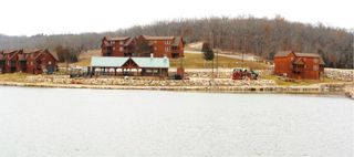 Branson lodge photo - Pool and Recreation Area on Fox Hollow Lake, a catch-and-release fishing lake